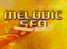 Sezon letni w pełni! Piękna pogoda, duża dawka gorących brzmień niedaleko brzegu Warty. Tak właśnie zapowiada się bezpłatny event Melodic Sea Summer Festival. Odbędzie się on 30 lipca na terenie amfiteatru Olszynki we Wronkach. To nie będzie zwykłe wydarzenie. Prócz dużej ilości nagłośnienia, oświetlenia i wizualizacji na scenie wystąpi aż dziewięciu artystów prezentujących się nieustannie […]