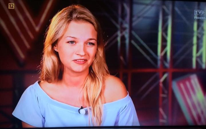 Magdalena Janicka przygotowuje się do kolejnych występów w The Voice Of Poland. W przerwie między trenowaniem znalazła czas, aby podzielić się swoimi wrażeniami z występu. MojeWronki.pl: Co było dla Ciebie największym zaskoczeniem po występie? Magdalena Janicka: Największym zaskoczeniem było to, że obróciły się wszystkie cztery fotele. Miałam nadzieję, że obróci się chociaż jeden. WAŻNE: Pomóżmy […]