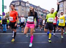 W niedzielę w Poznaniu odbędzie się 18. edycja maratonu im. Macieja Frankiewicza. W związku z tym część ulic będzie zamknięta, a ruch drogowy utrudniony. Informujemy, że w dniu 15.10.2017 na trasie maratonu zamknięty będzie ruch wzdłużny. Trasa biegu zostanie zamknięta dla ruchu kołowego w godzinach od 8:00 do 15:00. Dodatkowo od godziny 6:00, wyłączona zostanie […]