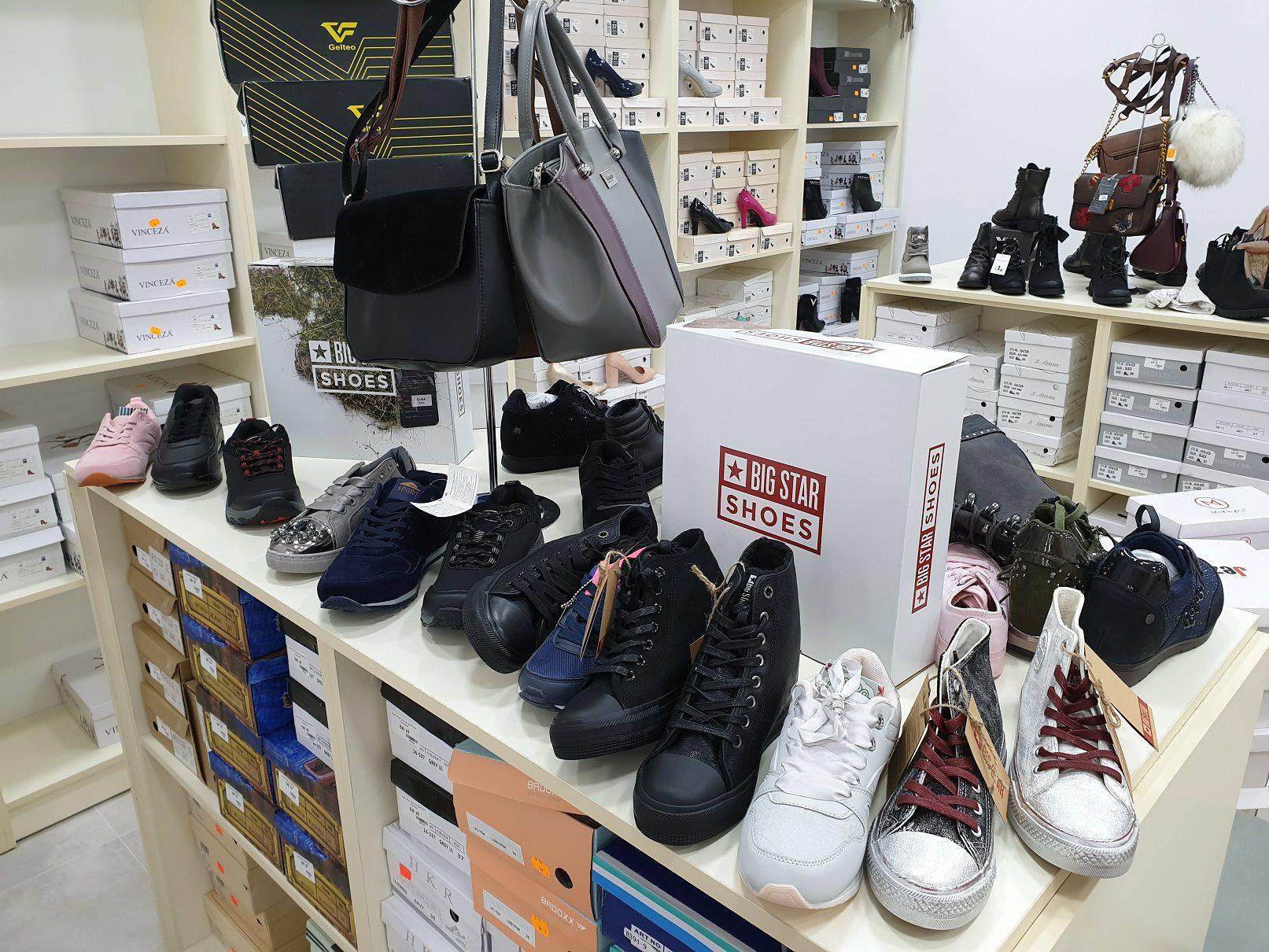 """72c750ea Salon obuwniczy """"Pantofelek"""" mieści się przy wronieckim Rynku. Będzie  czynny od poniedziałku do piątku. Zachęcamy do obserwowania strony sklepu,  ..."""