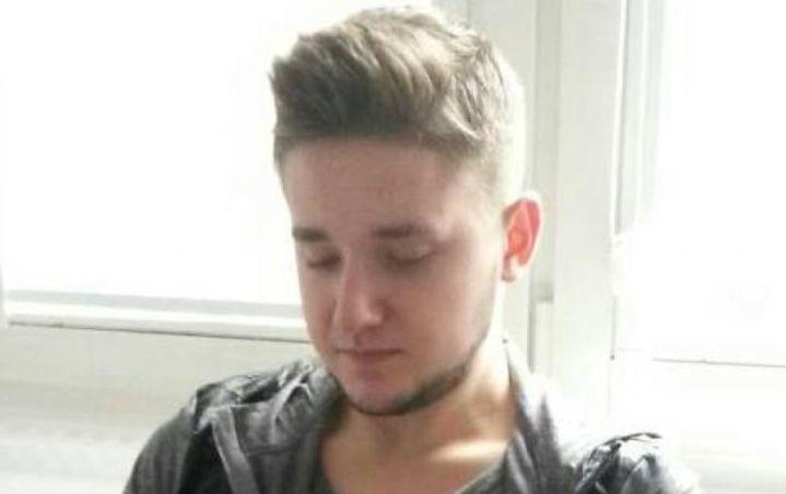 W nocy z czwartku na piątek (17/18 stycznia) zaginął 19-letni student Politechniki Poznańskiej Michał Rosiak. Do zaginięcia doszło około godziny 1:00, kiedy zniknął z oczu trzem kolegom, z którymi udał się do klubu na Starym Rynku. Od tamtego momentu nie ma z nim kontaktu. Student pochodził z okolic Turku, obecnie mieszka w Poznaniu na Ratajach. […]